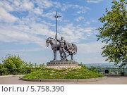 Купить «Пенза, памятник Первопоселенцу», фото № 5758390, снято 14 августа 2011 г. (c) Андрей Малышкин / Фотобанк Лори