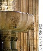 Португалия, Баталья, фонтан в монастыре (2007 год). Стоковое фото, фотограф Светлана Островская / Фотобанк Лори