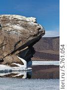 Купить «Байкал. Весеннее таяние льда. Открытая вода у острова Большой Тойнак», фото № 5761054, снято 30 марта 2014 г. (c) Виктория Катьянова / Фотобанк Лори