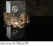 Купить «Небольшой сейф с монетами евро», фото № 5782270, снято 3 апреля 2014 г. (c) Andrejs Pidjass / Фотобанк Лори