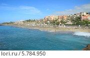 Купить «Пляж Дель Дуке (Playa Del Duque), Лас Америкас на острове Тенерифе, Канарские острова», видеоролик № 5784950, снято 29 ноября 2013 г. (c) Roman Likhov / Фотобанк Лори