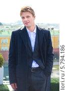 Купить «Актер Майкл Питт перед премьерой фильма Ганста лов на крыше отеля Ритц-Карлтон», фото № 5794186, снято 9 апреля 2014 г. (c) Кулагина Мария / Фотобанк Лори