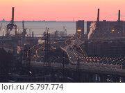 Купить «Западный скоростной диаметр ЗСД на фоне портовых кранов, Санкт-Петербург», фото № 5797774, снято 8 апреля 2013 г. (c) Смелов Иван / Фотобанк Лори