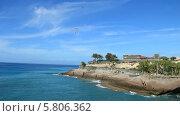 Дом Графа (Casa del Duque) находится в Коста Адехе на острове Тенерифе. Рядом с пляжем Дель Дуке. (2013 год). Редакционное видео, видеограф Roman Likhov / Фотобанк Лори