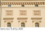 Купить «Москва. Барельеф на стене Большого театра», эксклюзивное фото № 5812350, снято 9 мая 2013 г. (c) Алёшина Оксана / Фотобанк Лори