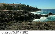 Купить «Скалистый юг острова Тенерифе. Роскошные дома в районе Каллао Сальвахе, Адехе», видеоролик № 5817282, снято 1 октября 2013 г. (c) Roman Likhov / Фотобанк Лори