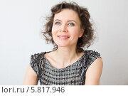 Купить «Счастливая молодая женщина», фото № 5817946, снято 15 апреля 2014 г. (c) Архипова Мария / Фотобанк Лори