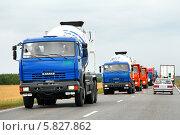 Купить «Новые грузовики КамАЗ», фото № 5827862, снято 20 августа 2011 г. (c) Art Konovalov / Фотобанк Лори