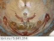 Купить «Подольск, настенная живопись в Троицком соборе. Роспись купола», эксклюзивное фото № 5841314, снято 27 мая 2013 г. (c) Дмитрий Неумоин / Фотобанк Лори