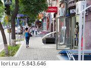 Купить «Улица Амиряна - одна из центральных улиц Еревана. Армения», фото № 5843646, снято 4 июля 2013 г. (c) Евгений Ткачёв / Фотобанк Лори