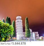 Купить «Пизанская башня вечером», фото № 5844878, снято 23 марта 2014 г. (c) Elnur / Фотобанк Лори