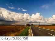 Купить «Лето уходит, осень приходит», фото № 5865758, снято 3 сентября 2011 г. (c) Устенко Владимир Александрович / Фотобанк Лори