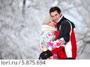 Купить «зимний портрет влюбленной пары», фото № 5875694, снято 15 декабря 2009 г. (c) Phovoir Images / Фотобанк Лори