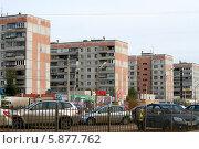 Купить «Улицы Магнитогорска», фото № 5877762, снято 20 октября 2013 г. (c) Хайрятдинов Ринат / Фотобанк Лори