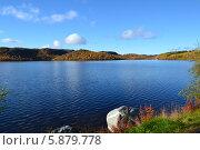 Озеро в Норвегии. Стоковое фото, фотограф Юлия Романова / Фотобанк Лори