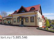 Купить «Современный коттедж во Пскове (гостиница)», фото № 5885546, снято 6 мая 2014 г. (c) Анна Кудрявцева / Фотобанк Лори