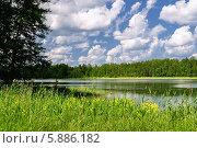 Купить «Валдайское озеро», фото № 5886182, снято 14 ноября 2019 г. (c) Зезелина Марина / Фотобанк Лори