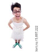 Купить «Веселый мужчина в белом женском платье и кедах», фото № 5897222, снято 9 апреля 2013 г. (c) Elnur / Фотобанк Лори