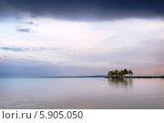 Купить «Озеро Балатон на закате. Венгрия», фото № 5905050, снято 30 апреля 2014 г. (c) Марина Славина / Фотобанк Лори