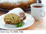 Купить «Кусочек домашнего кекса», фото № 5908746, снято 19 октября 2012 г. (c) Maria Shumilina / Фотобанк Лори