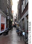 Припаркованные велосипеды. Амстердам (2014 год). Редакционное фото, фотограф Александр Хорхордин / Фотобанк Лори
