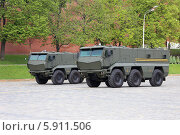 Купить «КАМАЗ-63968 «Тайфун» — универсальный бронированный автомобиль повышенной защищённости на параде, Москва», эксклюзивное фото № 5911506, снято 7 мая 2014 г. (c) Алексей Гусев / Фотобанк Лори
