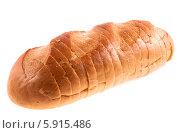 Купить «Батон хлеба, изолированно на белом фоне», фото № 5915486, снято 20 апреля 2014 г. (c) Литвяк Игорь / Фотобанк Лори