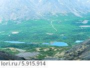 Купить «Вид на долину с озерами с перевала Чоргорр, Хибины», фото № 5915914, снято 5 июля 2010 г. (c) Кекяляйнен Андрей / Фотобанк Лори