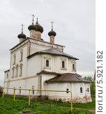 Купить «Воскресенская церковь в Гороховце», фото № 5921182, снято 11 мая 2014 г. (c) Ален Лагута / Фотобанк Лори