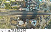 Дорога у строительной площадки, вид сверху. Стоковое видео, видеограф Евгений / Фотобанк Лори