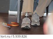Купить «Протез ноги инвалида», эксклюзивное фото № 5939826, снято 21 мая 2014 г. (c) Сергей Соболев / Фотобанк Лори