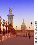 Купить «Мост Александр III через Сену в Париже, Франция», фото № 5952830, снято 1 февраля 2014 г. (c) Куликов Константин / Фотобанк Лори