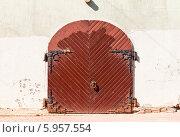 Купить «Старинные ворота в исторической части Риги, Латвия», фото № 5957554, снято 25 мая 2014 г. (c) Иван Марчук / Фотобанк Лори