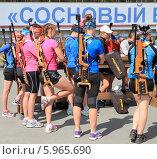 Купить «Девчонки с винтовками - это биатлон», фото № 5965690, снято 9 июня 2013 г. (c) Анатолий Матвейчук / Фотобанк Лори