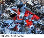 Горящие угли. Стоковое фото, фотограф ВЛАДИМИР КУШПИЛЬ / Фотобанк Лори