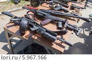Купить «Образцы российского стрелкового оружия», фото № 5967166, снято 27 мая 2019 г. (c) FotograFF / Фотобанк Лори