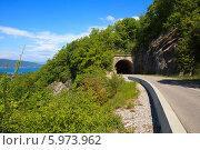 Дорожный туннель на горной дороге во Франции (2010 год). Стоковое фото, фотограф Сергей Белов / Фотобанк Лори