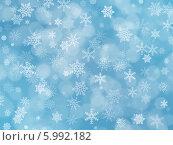Купить «Новогодний голубой фон со снежинками и эффектом боке», иллюстрация № 5992182 (c) Светлана Ильева (Иванова) / Фотобанк Лори