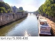 Купить «Париж, городской пейзаж», фото № 5999430, снято 30 апреля 2014 г. (c) Parmenov Pavel / Фотобанк Лори