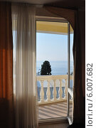Вид из номера отеля на море (2011 год). Стоковое фото, фотограф Татьяна Казакова / Фотобанк Лори
