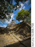 Купить «Традиционный японский замок - замок Кумамото», фото № 6008758, снято 1 ноября 2012 г. (c) Александр Трофимов / Фотобанк Лори