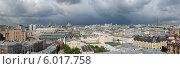 Купить «Панорама центральной части города москва в пасмурный день», фото № 6017758, снято 7 мая 2014 г. (c) Игорь Долгов / Фотобанк Лори