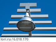 Купить «Фрагмент современного фонаря», фото № 6018170, снято 15 мая 2012 г. (c) Elena Monakhova / Фотобанк Лори