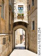 Улица в городе Жирона, Испания (2014 год). Стоковое фото, фотограф Яков Филимонов / Фотобанк Лори
