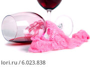 Два бокала вина и розовые трусики на белом фоне. Стоковое фото, фотограф Владимир Ходатаев / Фотобанк Лори