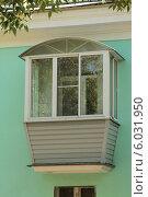 Уютный пластиковый балкон. Стоковое фото, фотограф Михаил Хорошкин / Фотобанк Лори