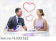 Купить «Романтическая встреча влюбленной пары в ресторане», фото № 6033522, снято 9 марта 2014 г. (c) Syda Productions / Фотобанк Лори