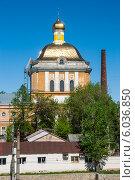 Купить «Фрагмент здания пермской художественной галереи (вид с боку)», фото № 6036850, снято 14 мая 2012 г. (c) Elena Monakhova / Фотобанк Лори
