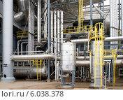 Купить «Переплетение трубопроводов, метаноловый завод, Баку», фото № 6038378, снято 27 сентября 2013 г. (c) Татьяна Юни / Фотобанк Лори