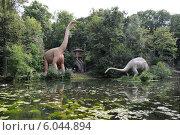 Прогулка с динозаврами. Редакционное фото, фотограф Артем Пикулин / Фотобанк Лори